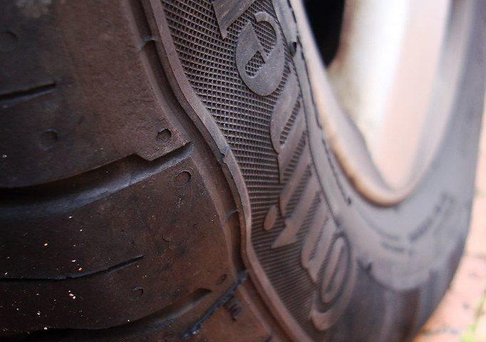 sidewall-bubble-bubble on tire
